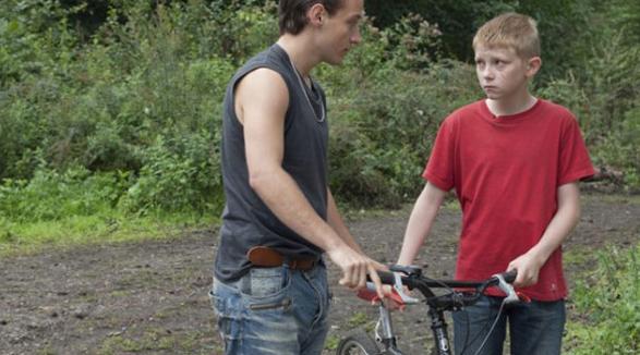 Kid with a bike (still)