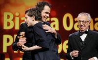 """BERLINALE : Golden Bear handed to Adina Pintilie for """"Touch me not"""""""